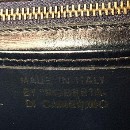 ROBERTA DI CAMERINO(ロベルタ ディ カメリーノ)ショルダーバッグ