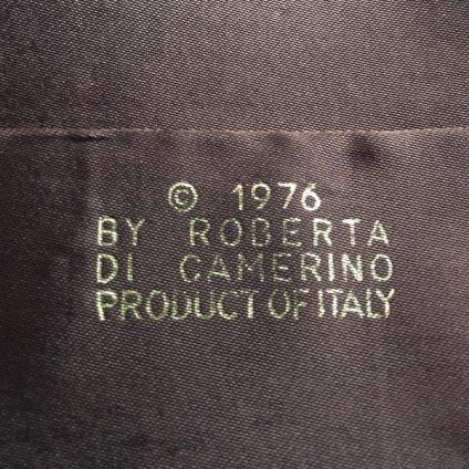 ROBERTA DI CAMERINO(ロベルタ ディ カメリーノ)クラッチバッグ