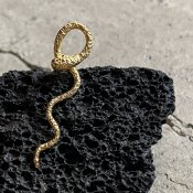 momocreatura Waving Snake Earrings Gold Single(モモクリアチュラ ヘビピアス ゴールド 片耳用)