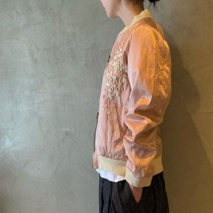 <img class='new_mark_img1' src='https://img.shop-pro.jp/img/new/icons13.gif' style='border:none;display:inline;margin:0px;padding:0px;width:auto;' />【予約販売】suzuki takayuki embroidered blouson(スズキタカユキ エンブロイダード ブルゾン)Pink