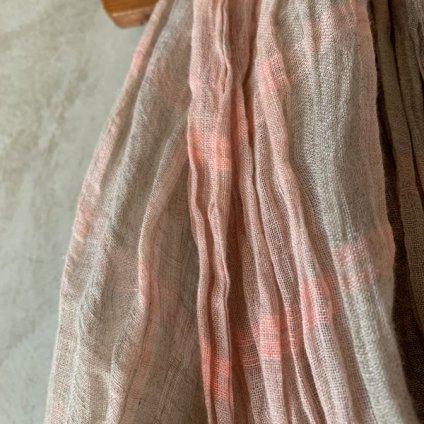 <img class='new_mark_img1' src='https://img.shop-pro.jp/img/new/icons13.gif' style='border:none;display:inline;margin:0px;padding:0px;width:auto;' />【予約販売】suzuki takayuki linen shawl(スズキタカユキ リネンショール)Pink