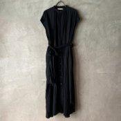 <img class='new_mark_img1' src='https://img.shop-pro.jp/img/new/icons56.gif' style='border:none;display:inline;margin:0px;padding:0px;width:auto;' />suzuki takayuki suzuki takayuki sleeveless shirt dress(スズキタカユキ スリーブレスシャツドレス)Black