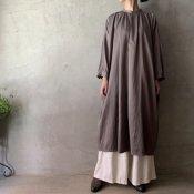 <img class='new_mark_img1' src='https://img.shop-pro.jp/img/new/icons13.gif' style='border:none;display:inline;margin:0px;padding:0px;width:auto;' />suzuki takayuki slip-on dress (スズキタカユキ スリップオンドレス)Grey