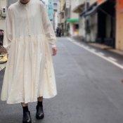 ikkuna/suzuki takayuki balloon-sleeve dress(イクナ/スズキタカユキ バルーンスリーブドレス)Nude