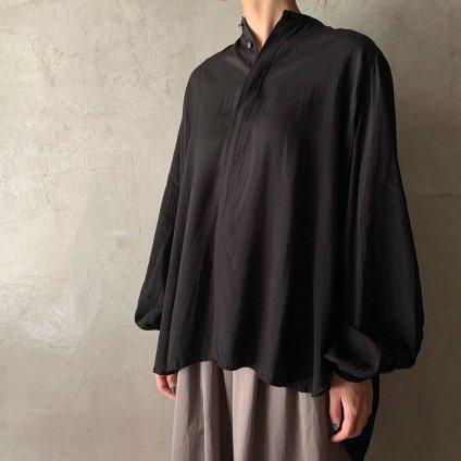 <img class='new_mark_img1' src='https://img.shop-pro.jp/img/new/icons13.gif' style='border:none;display:inline;margin:0px;padding:0px;width:auto;' />suzuki takayuki balloon-sleeve blouse(スズキタカユキ バルーンスリーブブラウス)Black