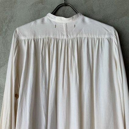 <img class='new_mark_img1' src='https://img.shop-pro.jp/img/new/icons13.gif' style='border:none;display:inline;margin:0px;padding:0px;width:auto;' />suzuki takayuki balloon-sleeve blouse(スズキタカユキ バルーンスリーブブラウス)Nude