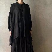 <img class='new_mark_img1' src='https://img.shop-pro.jp/img/new/icons13.gif' style='border:none;display:inline;margin:0px;padding:0px;width:auto;' />suzuki takayuki broad blouse(スズキタカユキ ブロードブラウス)Black