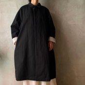 <img class='new_mark_img1' src='https://img.shop-pro.jp/img/new/icons13.gif' style='border:none;display:inline;margin:0px;padding:0px;width:auto;' />suzuki takayuki stand-fall-collar coat �(スズキタカユキ スタンドフォールカラーコート�)Black/Unisex