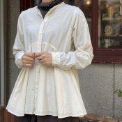 <img class='new_mark_img1' src='https://img.shop-pro.jp/img/new/icons13.gif' style='border:none;display:inline;margin:0px;padding:0px;width:auto;' />ikkuna/suzuki takayuki flared blouse(スズキタカユキ フレアードブラウス)Nude