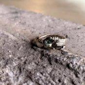 【期間限定販売】momocreatura Fede Ring Emerald(フェデリング 燻しシルバー×エメラルド)