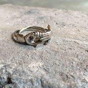 【期間限定販売】momocreatura Fede Ring Ruby(フェデリング 燻しシルバー×ルビー)