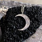 【期間限定販売】momocreatura Crescent Moon Necklace(三日月 ネックレス シルバー)