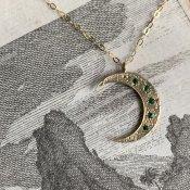 【期間限定販売】momocreatura Crescent Moon Necklace 9KYG×Emerald(三日月 ネックレス 9KYG金無垢×エメラルド)