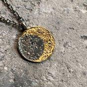 【期間限定販売】momocreatura Moon Disc Necklace(ムーンネックレス 燻しシルバー×ゴールド)