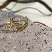【期間限定販売】momocreatura Crescent Moon Ring(三日月リング ゴールド)