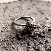 【期間限定販売】momocreatura Sphere Moon Ring(球体の月リング 燻しシルバー)