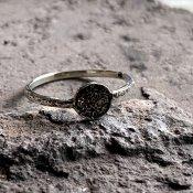 【期間限定販売】momocreatura Mini Moon Disc Ring (ミニムーンリング 燻しシルバー)