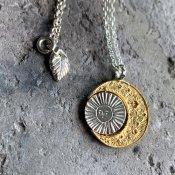 【期間限定販売】momocreatura Crescent Moon&Sun Necklace(三日月×廻る太陽 ネックレス ゴールド×シルバー)