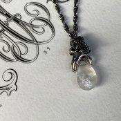 【期間限定販売】momocreatura Lady's Hand Necklace Moon Stone(ムーンストーンを持つ女性の手 ネックレス 燻しシルバー)