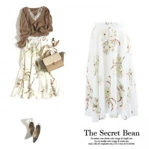 【SALE】【ゆうパケ】花柄フレアスカート(ホワイト)