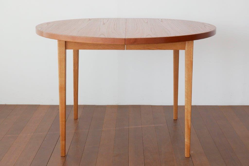 ダイニングテーブル【1902-0077】