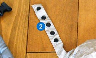 (2)左:フード側凹スナップとれ