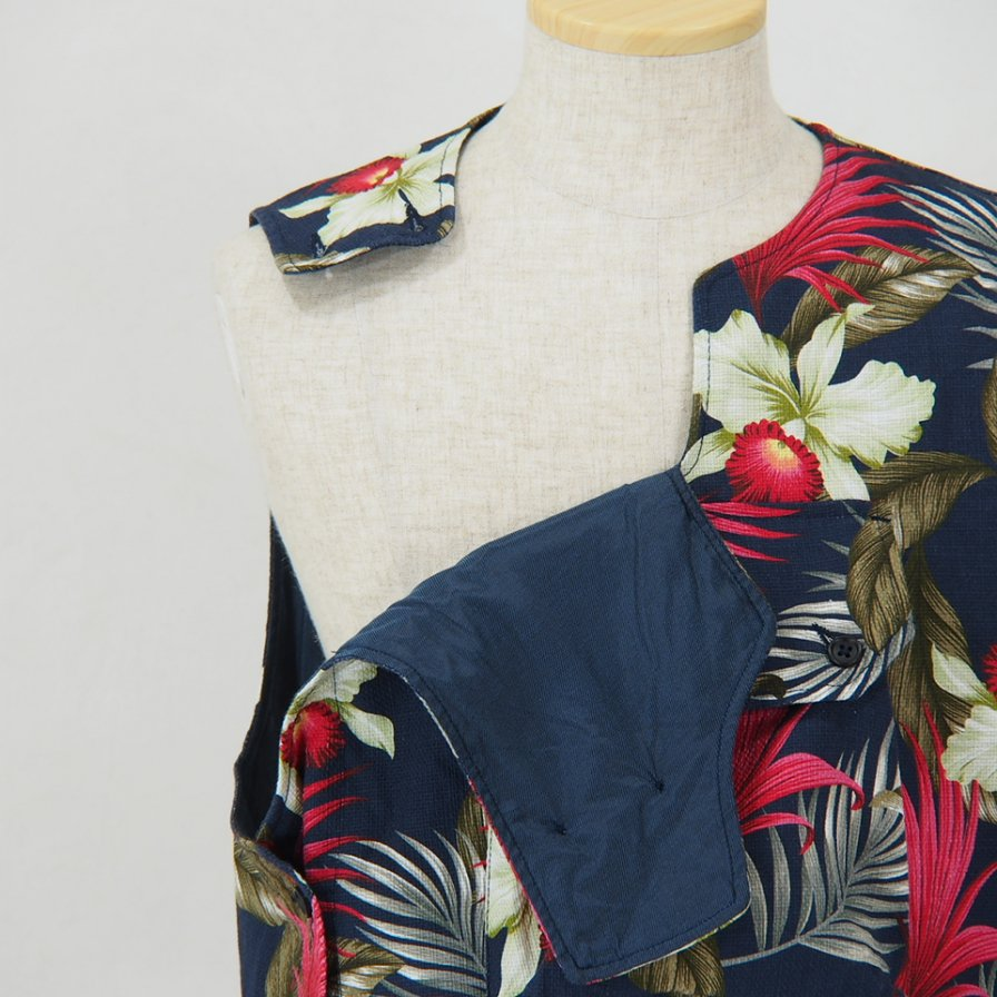 Engineered Garments - Cover Vest - Hawaiian Floral Java Cloth - Navy