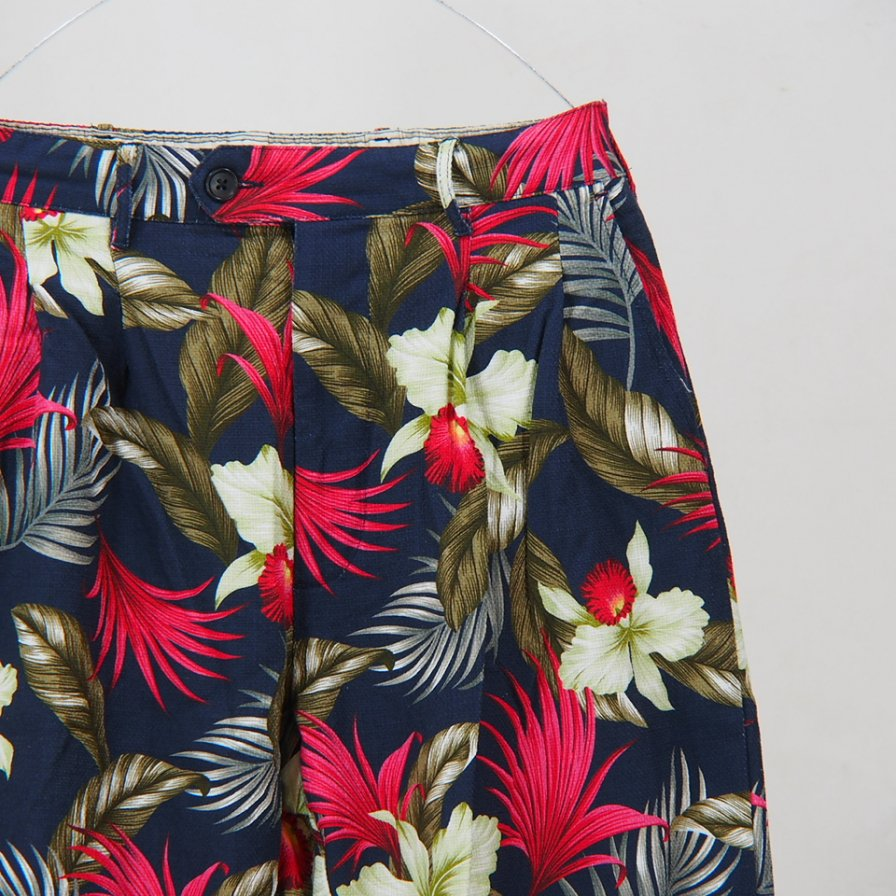 Engineered Garments - Emerson pant - Hawaiiam FLoral Java Cloth - Navy