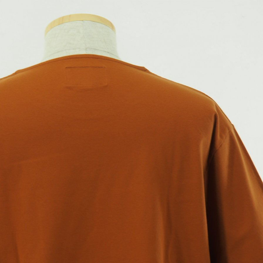 STILL BY HAND - Long Pocket S/S Tee - Orange
