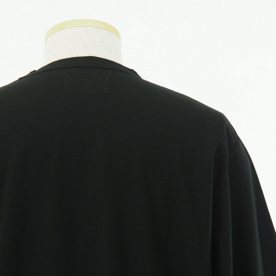 STILL BY HAND - Long Pocket Half Sleeve Tee - Black