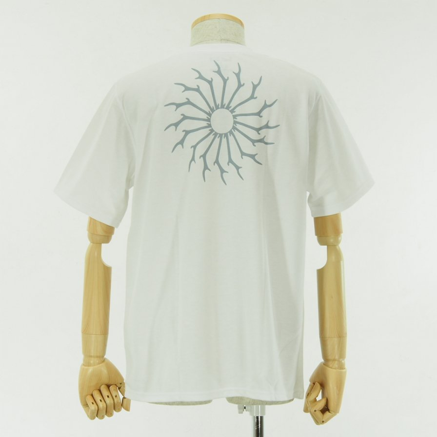 South2 West8 - Round Pocket Tee - Circle Horn - White