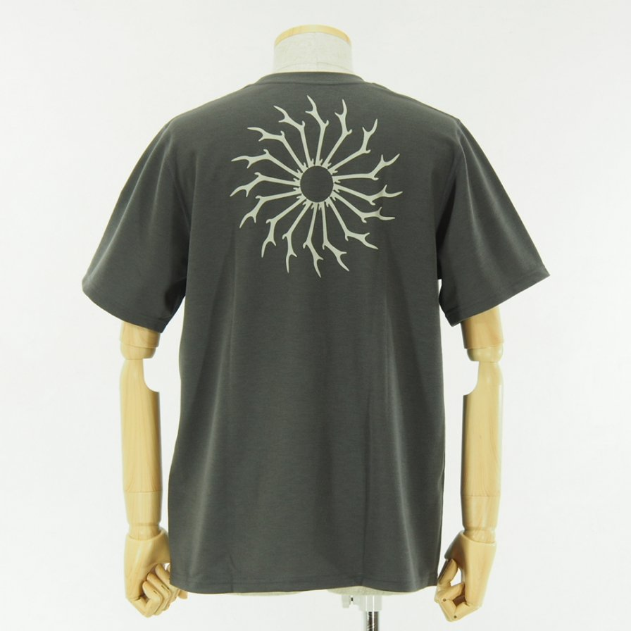 South2 West8 - Round Pocket Tee - Circle Horn - Charcoal