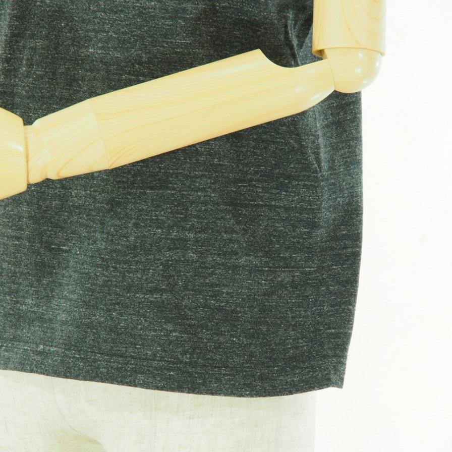 POST OVERALLS - Outline ESS Pocket Tee - Black Heather
