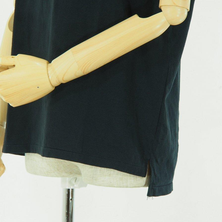 EG WORKADAY - Printed Crossover Neck Pocket Tee - Navy