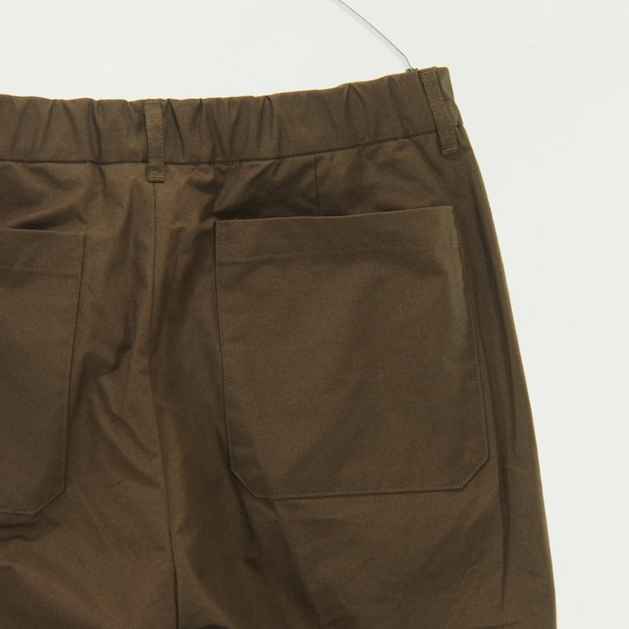 STILL BY HAND - Narrow Tapered Easy Pant - Brown