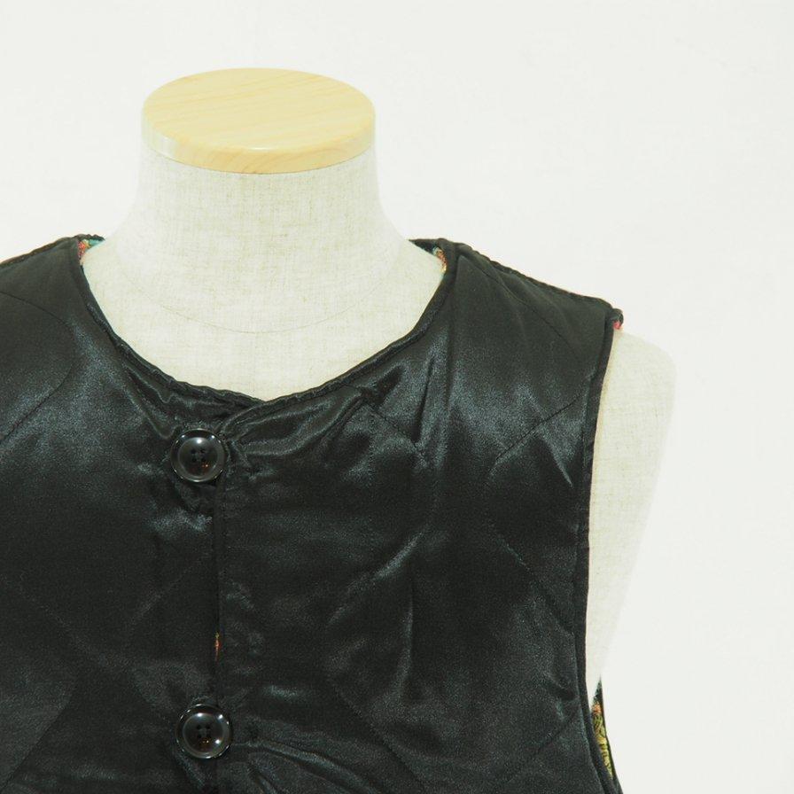 Engineered Garments - Over Vest - Rug Jacquard - Black Floral