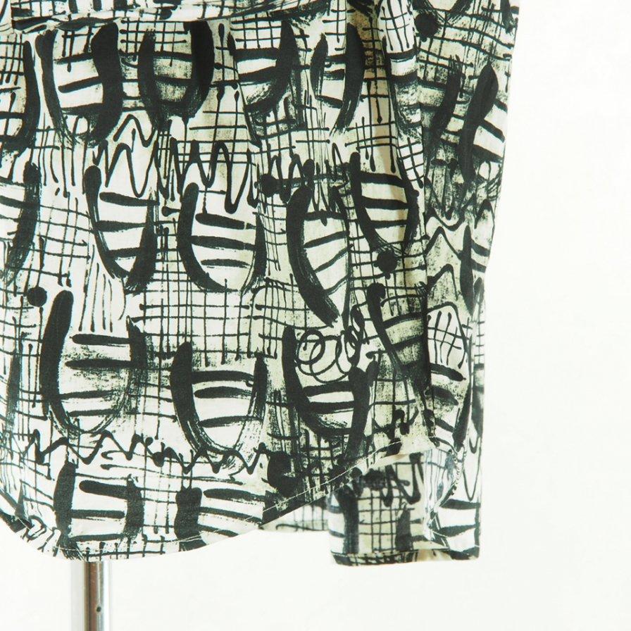 AiE - Painter Shirt - Abstract Print - Nat/Blk Shape