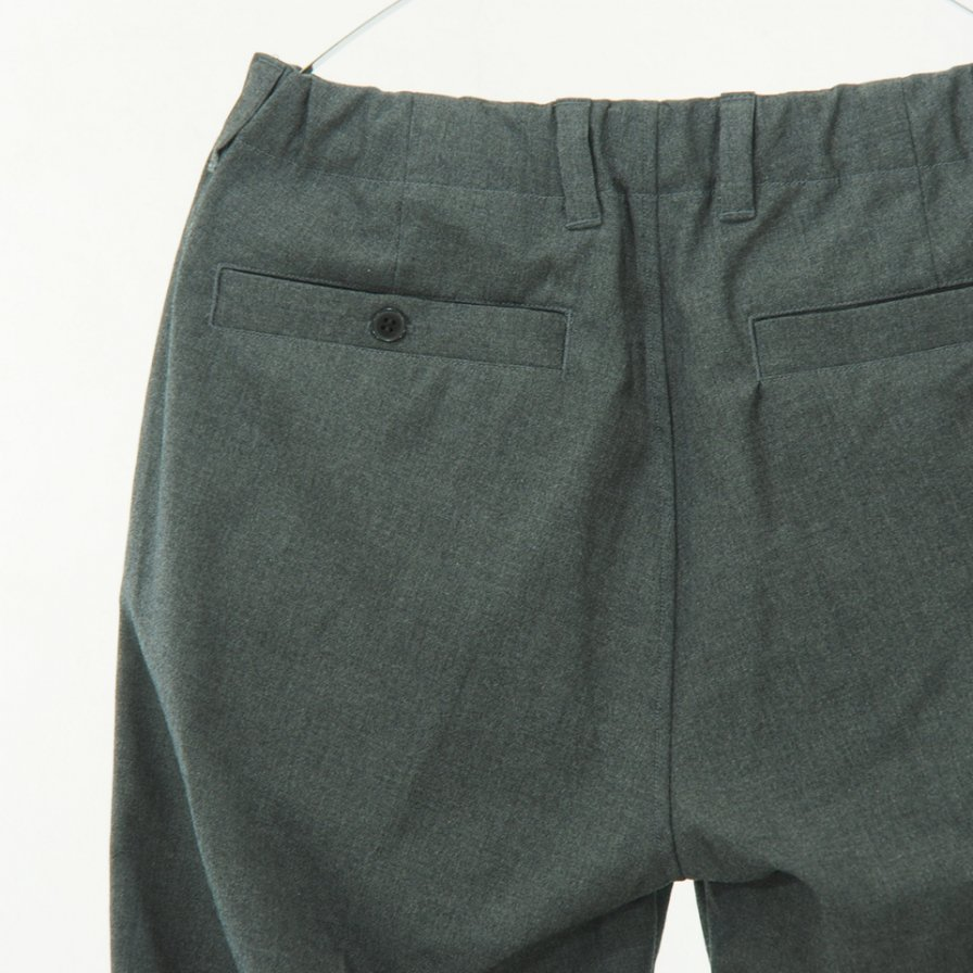 STILL BY HAND - Narrow Tapered Wool Easy Pant - Grey