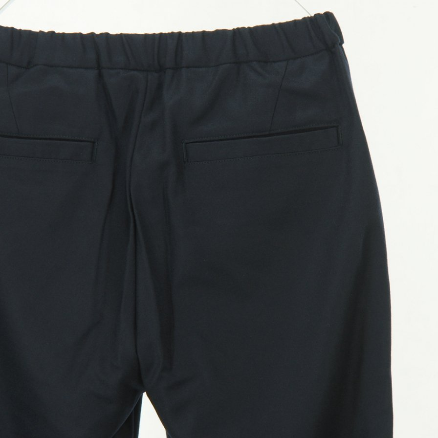 STILL BY HAND - Tapered Wool Slim Easy Pant - Navy