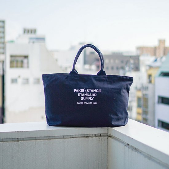 <img class='new_mark_img1' src='https://img.shop-pro.jp/img/new/icons52.gif' style='border:none;display:inline;margin:0px;padding:0px;width:auto;' />Tote Bag Navy