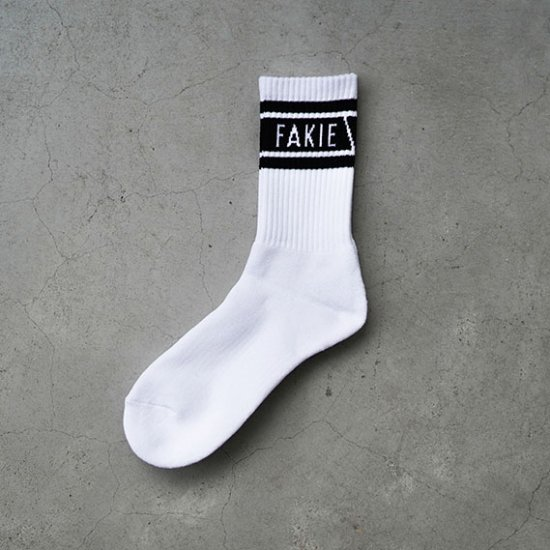 <img class='new_mark_img1' src='https://img.shop-pro.jp/img/new/icons1.gif' style='border:none;display:inline;margin:0px;padding:0px;width:auto;' />Pile Socks White