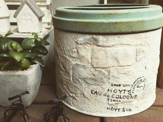 タカラ塗料オリジナルカラーと紙粘土を使ってレンガ風にリメイクした蚊取り線香の事例