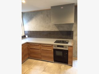 コンクリート風塗料コンクリートエフェクトペイントをキッチンやトイレの壁に塗った事例
