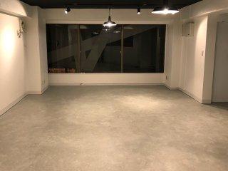 オフィスの床がお洒落なコンクリート風に!