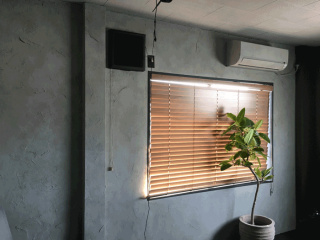 換気扇を部屋のインテリアに合わせて塗装した事例