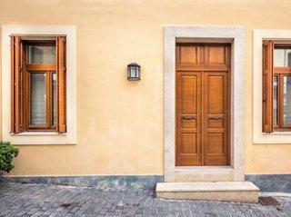 玄関ドアの塗り方