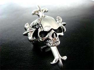 【TCR-035】【TRANSCORE】 Heavy Cross in Skull Ring