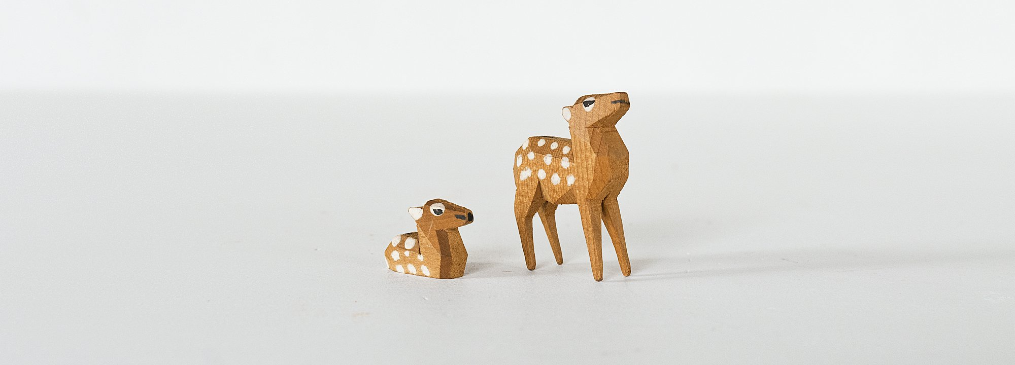Vintage Object : Wooden Deer