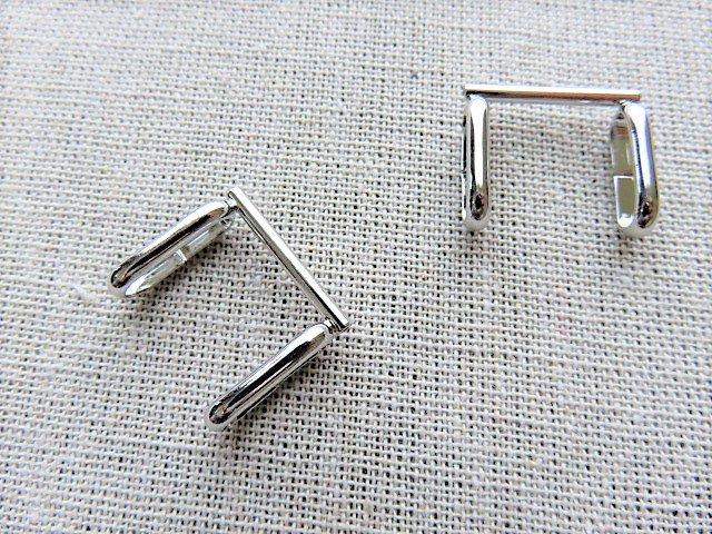 ブローチを帯留にする金具