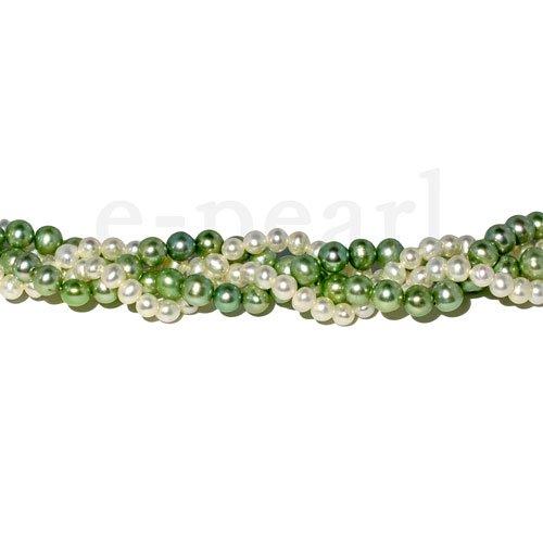珠質がよいのでとてもおすすめのネックレスです